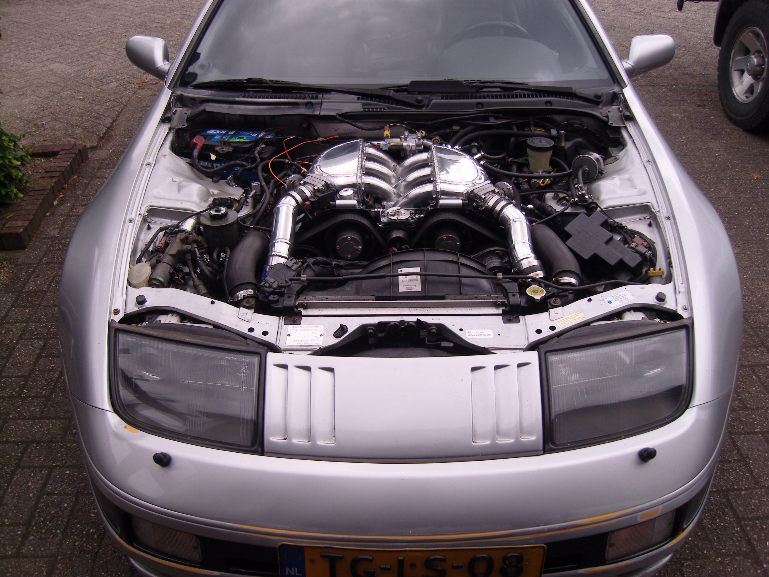 Vg30dett Custom Intake Manifold Nissan Z32 Wiring The Idle Air Unit Is Located In About Same Spot As On Itb And Tubing It Fits To Also Serves Balance Pipe Between 2